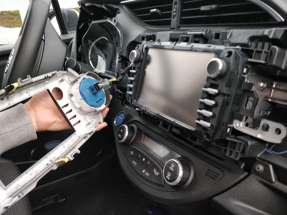 Comment Installer un Autoradio - 5