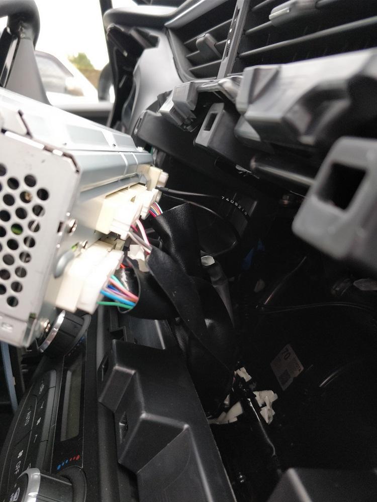 Comment Installer un Autoradio - 7