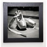 Affiche BLONDE ATTITUDE Image encadree Ballet shoes 37x37 cm Gris - Generique
