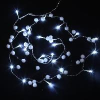Boule De Noel Guirlande de Noël boules de coton - 20 LED blanc - Fil transparent L 1.5 m - Piles - Generique