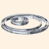 Cadre A Patisserie DE BUYER Cercle a tarte aux bords roulés perforés - Inox - Diametre : 22 cm - Hauteur : 2 cm