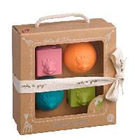 Coffret Cadeau Bebe SOPHIE LA GIRAFE Set 2 balles + 2 cubes So'Pure