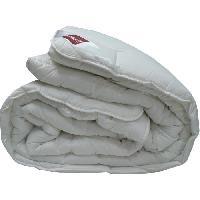 Couette Couette chaude Bio Confort Sensation 100 coton 200x200 cm blanc