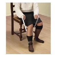 Enfile-bas - Enfile-chaussettes - Enfile-vetements Enfile bas et chaussettes VITAEASY - Sangles 73 cm - Le dessus en éponge permet de maintenir la chaussette - Aucune