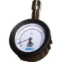 Entretien moteur et traitement essence Testeur pression climatisation atelier Bardahl