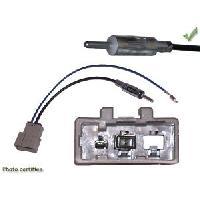 Installation Autoradio Adaptateur Antenne compatible Nissan vers Din M - ANT6017 - ADNAuto