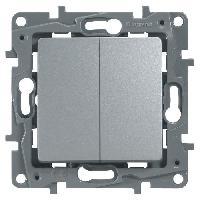 Interrupteur Poussoir + interrupteur ou va-et-vient 6A Niloe gris avec enjoliveur finition argent
