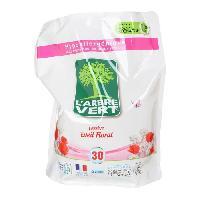 Lessive L'Arbre Vert Recharge Lessive Liquide - Senteur Florale - 2 L