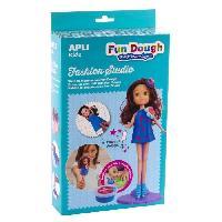 Poupee Boite poupee a habiller en pate Fun Dough - Brune