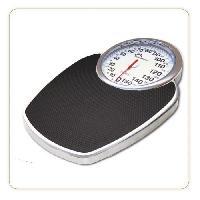 Sante - Hygiene LITTLE BALANCE 8135 Pro M 160. Pese personne balance mécanique. Design semi médical type professionnel. 160 kg / 1 kg. Noir & Chrome