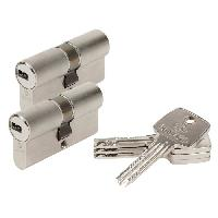 Serrure - Barillet - Cylindre - Cadenas - Verrous - Antivol ASTRAL 25701 Cylindres 30+30 mm double entree + 2 laiton nickele