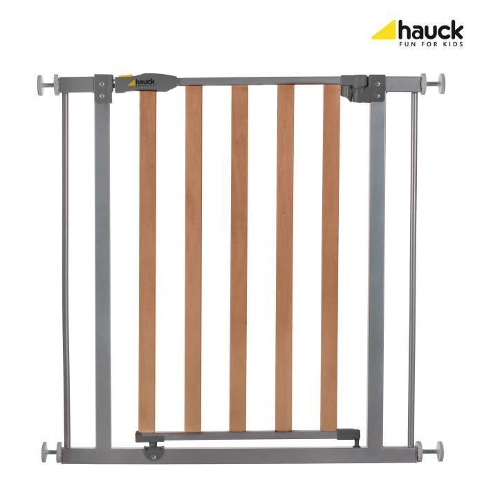 hauck barriere securite bois et metal 356373. Black Bedroom Furniture Sets. Home Design Ideas